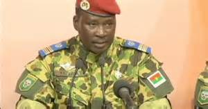 Burkina army leader promises 'consensus' leader