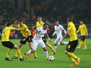Wesley Sneijder of Galatasaray in action during the UEFA Champions League Group D football match between Borussia Dortmund vs Galatasaray at Signal Iduna Park in Dortmund, Germany on Novermber 04, 2014. Mehmet Kaman