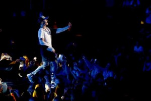 Singer Justin Bieber performs on stage during a mini concert in Oslo, October 29, 2015.