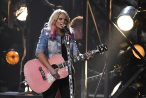 """Miranda Lambert performs """"Bathroom Sink"""" at the 49th Annual Country Music Association Awards in Nashville, Tennessee November 4, 2015."""