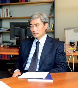 Hyun Song Shin, head of research at BIS.