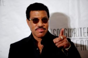 One Direction, Lionel Richie winners at Silver Clef Awards