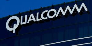 Apple, Qualcomm spat intensifies, manufacturers drawn in