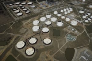 U.S. oil inventories fall; crude draws down for sixth week: EIA