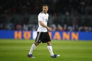 Germany's Podolski eyes Champions League berth with Kobe