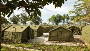 Asylum seekers defy deadline for closure of Papua New Guinea detention centre