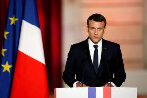 France, keen to avoid student anger, plans 1-billion euro university reform